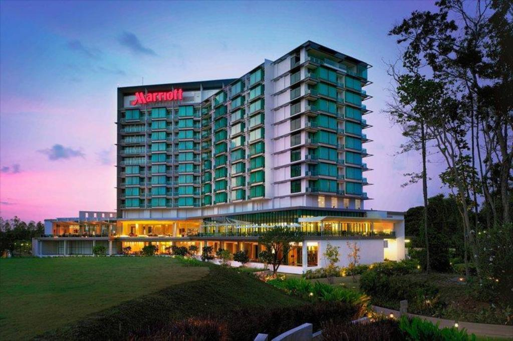 Pattaya Marriott Resorts and Spas- Pattaya beach road.