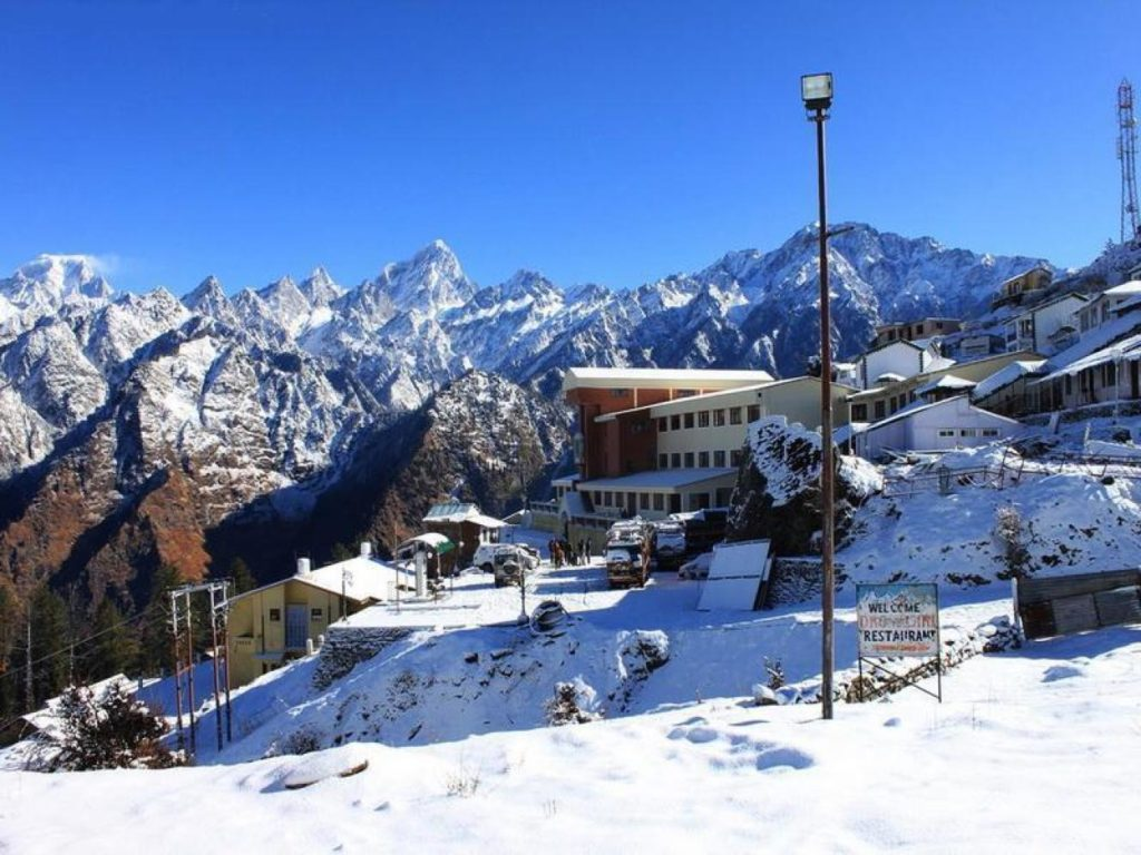 Destination wedding in Auli, India
