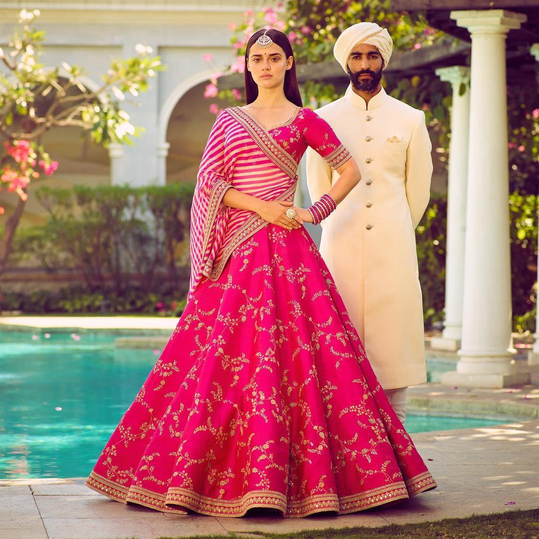 IDEAS FOR SUMMER BRIDAL LEHENGAS