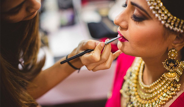 Wait! Read This Before You Finalize Your Makeup Artist